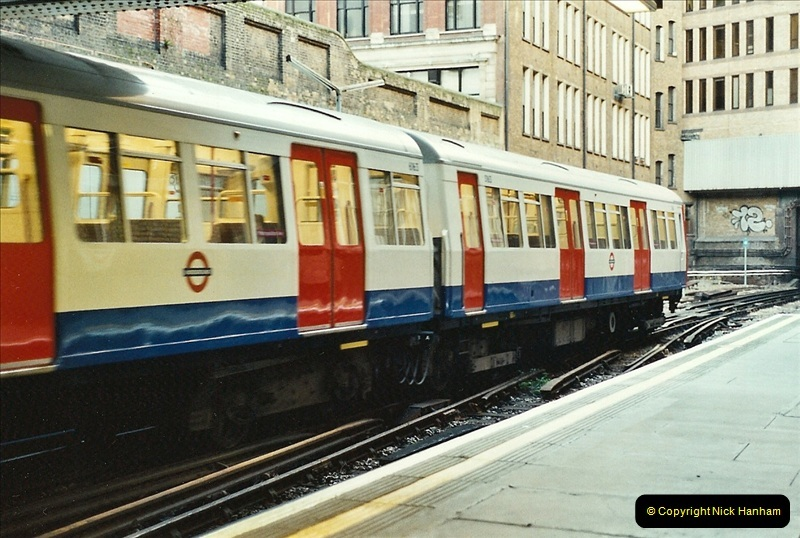 2001-11-03 London Underground Morgate.721
