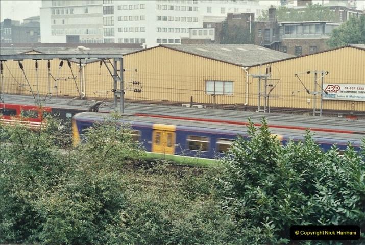2001-11-04 London Camden Town.  (2)723