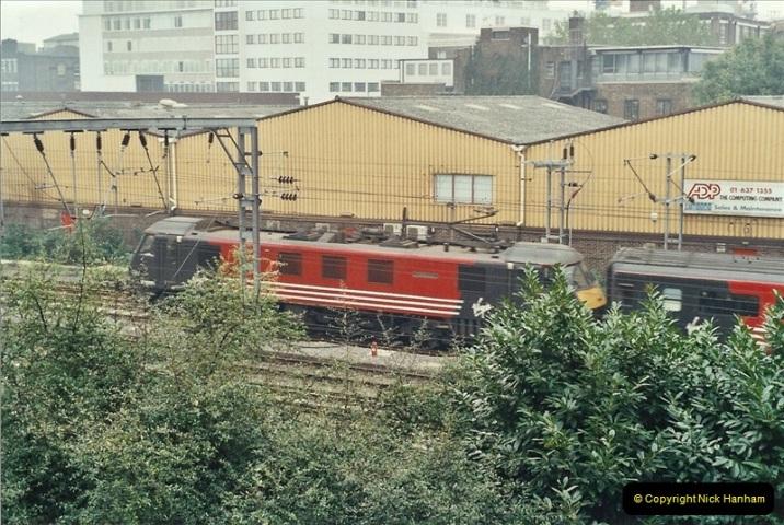 2001-11-04 London Camden Town.  (3)724