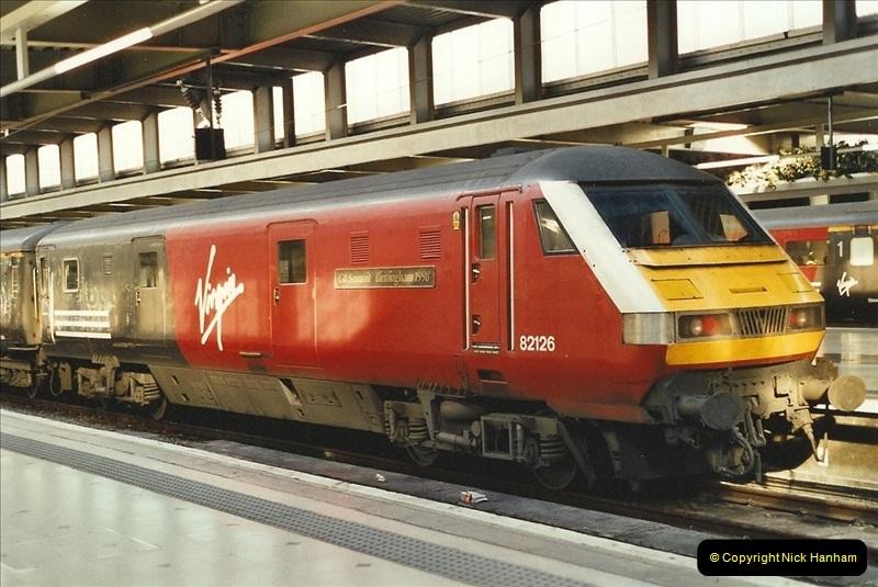 2001-11-30 London Euston.  (3)730