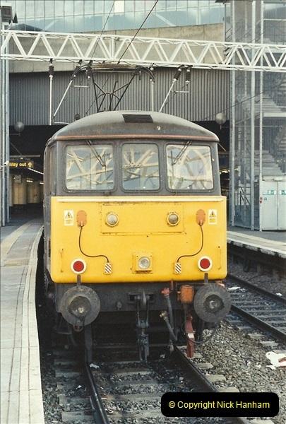 2001-11-30 London Euston.  (7)734