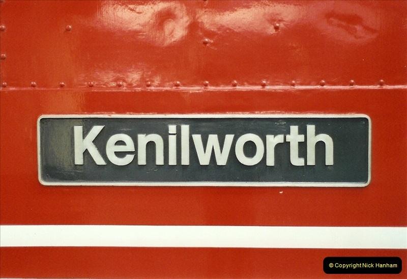2001-11-30 London Euston.  (12)739