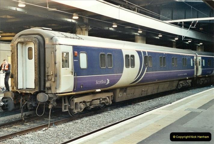 2001-11-30 London Euston.  (16)743
