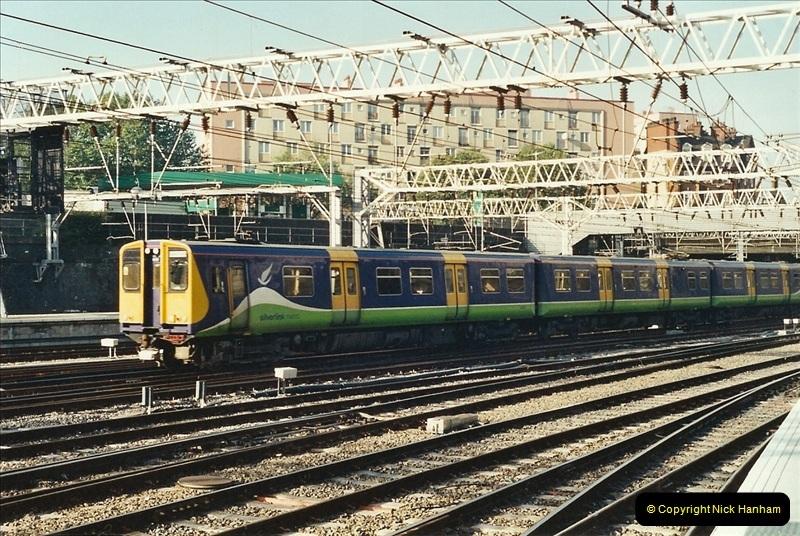 2001-11-30 London Euston.  (19)746