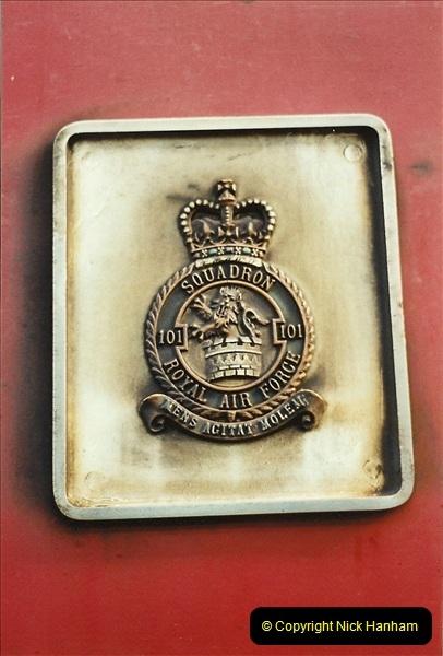 2001-11-30 London Euston.  (21)748