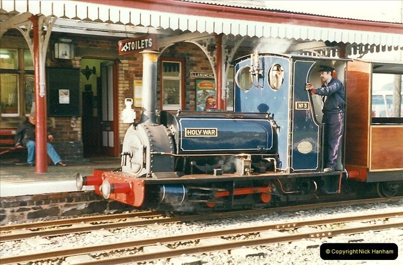 2000-03-11 Bala Lake Railway, North Wales.  (10)074