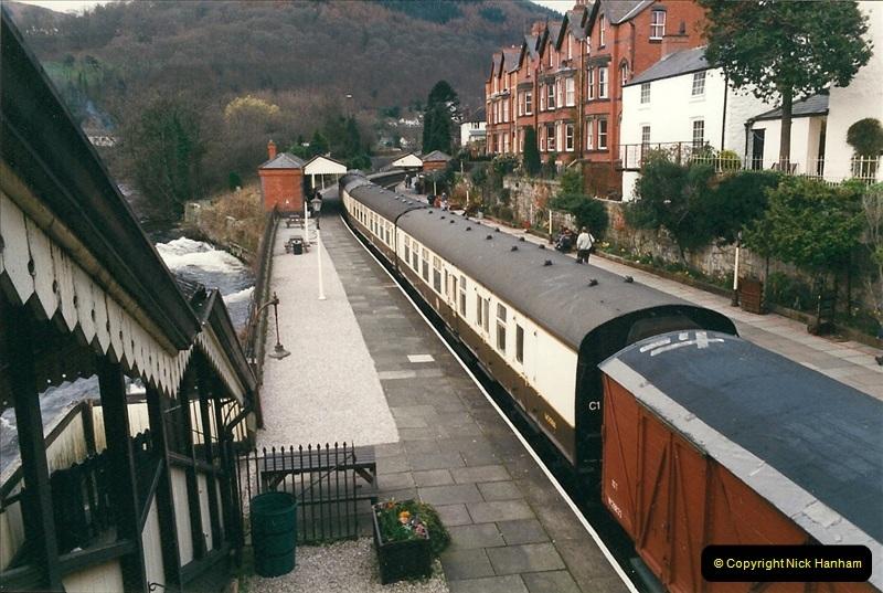 2000-03-11 Llangollen Railway, North Wales.  (13)092