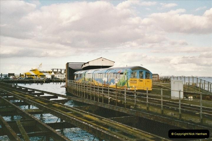 2004-10-18 Ryde IOW. (14) 386
