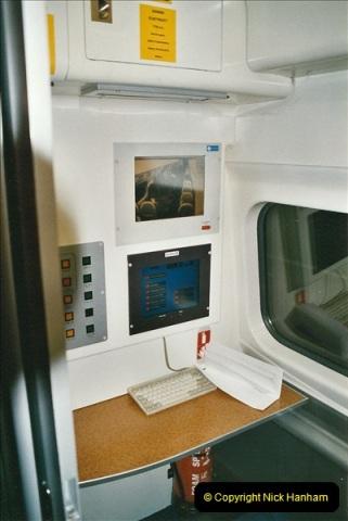 2005-03-10 to 12 London Euston.  (6)403
