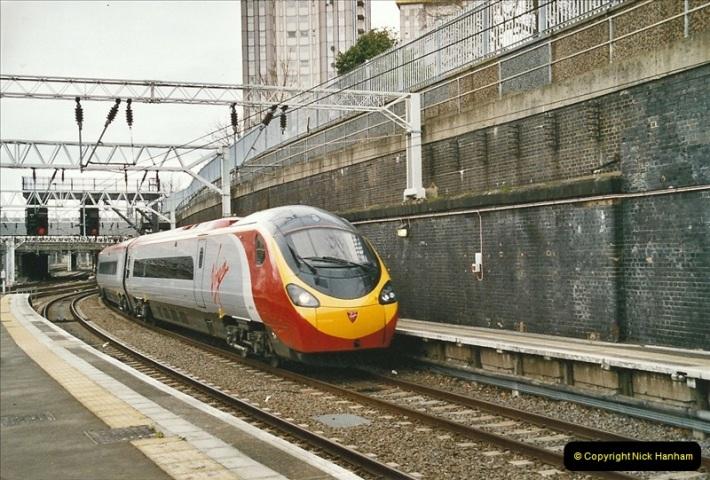2005-03-10 to 12 London Euston.  (9)406