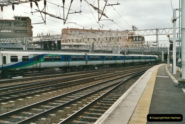 2005-03-10 to 12 London Euston.  (17)414