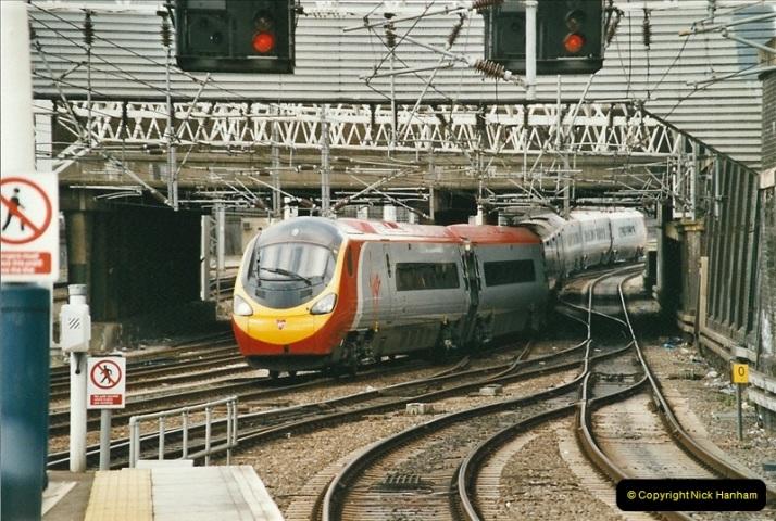 2005-03-10 to 12 London Euston.  (20)417