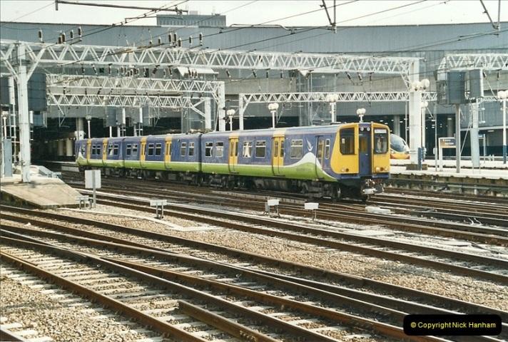 2005-03-10 to 12 London Euston. (25)422