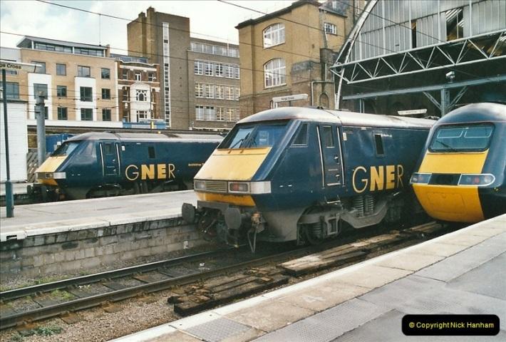 2005-03-10 to 12 London Kinfs Cross.  (8)435