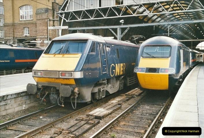 2005-03-10 to 12 London Kinfs Cross.  (9)436