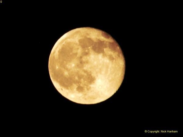 2014-05-15 The Moon.  (3)238