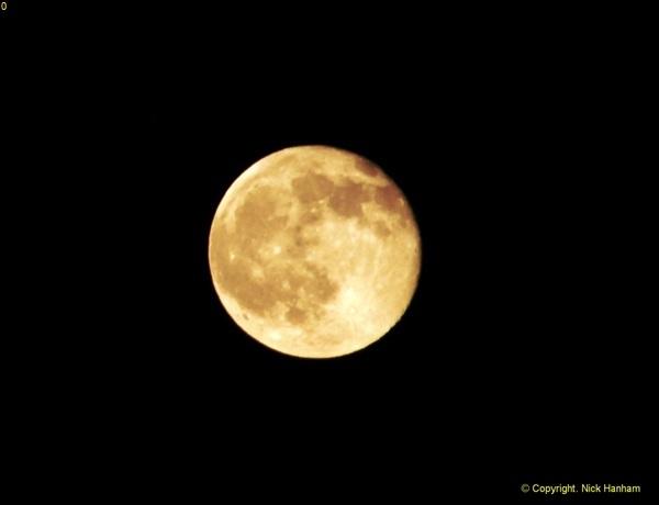 2014-05-15 The Moon.  (5)240