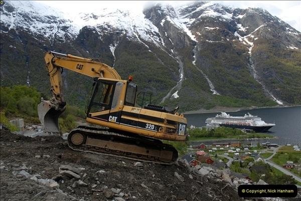 2012-05-18 Eidfjord, Norway.  (7)053