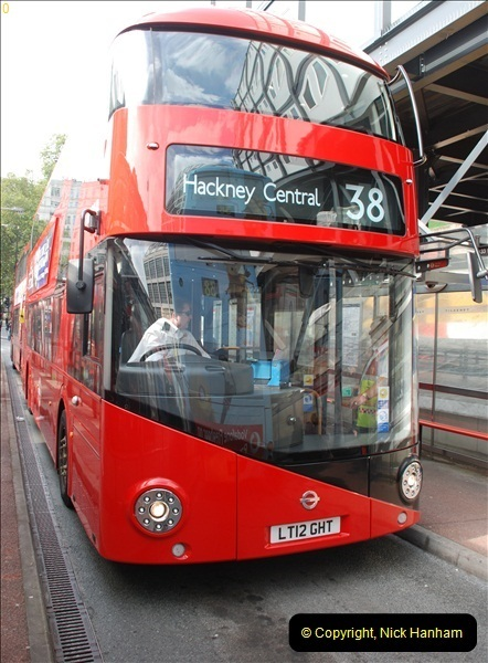 2012-10-07 Ride on LT12 GHT Borismaster. Route 38 Victoria to Hackney Central.  (36)41