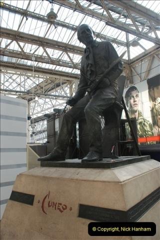 2012-10-06 Waterloo Station, London.  (4)294