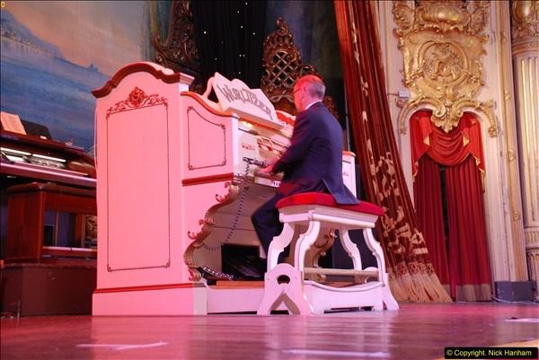 2015-10-10 The Tower Ballroom Wurlitzer Organ Blackpool, Lancashire. (6)06