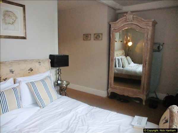 2016-04-14 Overnight stay at the White Hart, Nettlebed, Oxfordshire.  (5)195