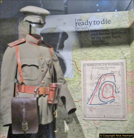 2017-09-17 & 18 London and the IWM.  (209)209