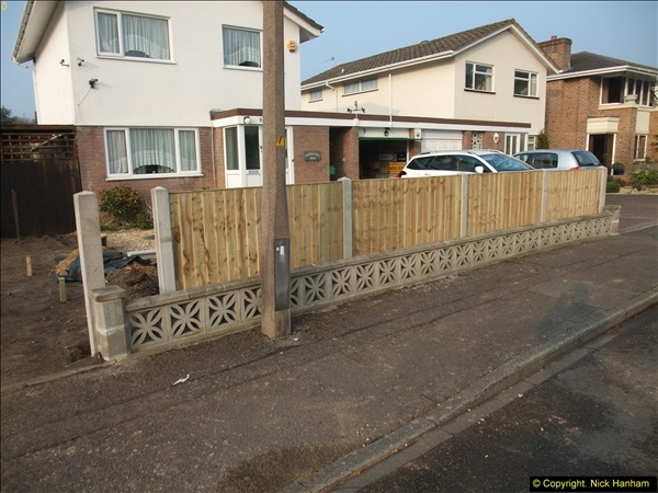 2015-03-17 Front garden fence progress (4)159