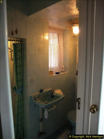 2015-07-05 The next project is the ground floor  Shower & Loo. (1)524