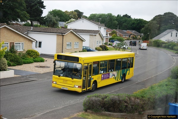 2017-06-05 D1 service back to single decker. Some bluring on pictures due to being taken through glass. (3)156