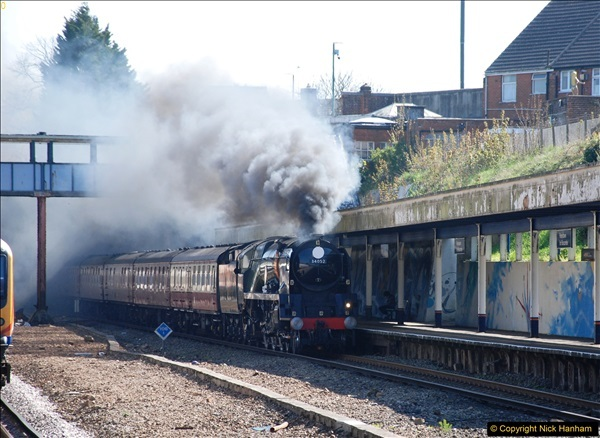 2017-04-08 34046 Braunton as 34052 Lord Dowding at Pokesdown, Bournemouth, Dorset. (2)110