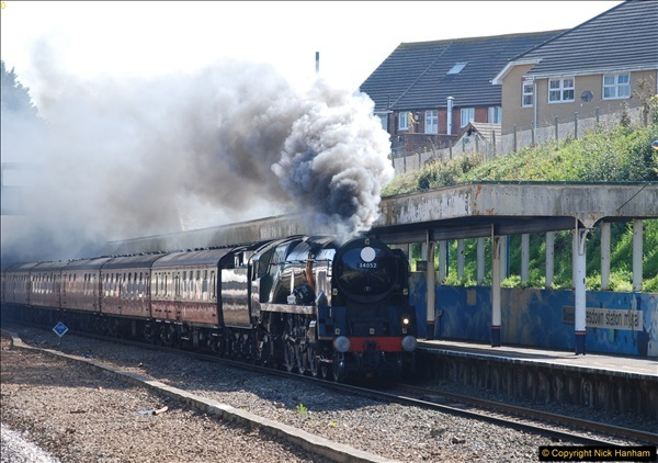 2017-04-08 34046 Braunton as 34052 Lord Dowding at Pokesdown, Bournemouth, Dorset. (5)113