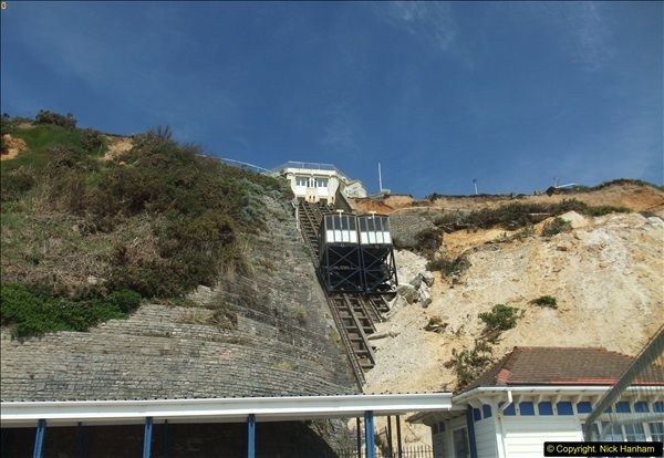 2016-05-05 Recent cliff fall in Bournemouth causing damage to the Victorian Cliff Lift. (6)091