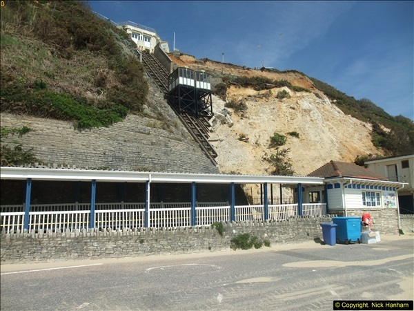 2016-05-05 Recent cliff fall in Bournemouth causing damage to the Victorian Cliff Lift. (7)092