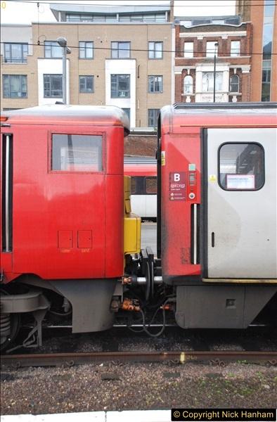 2017-09-18 London Stations 2.  (123)330