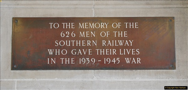 2017-09-18 London Stations 2.  (164)371