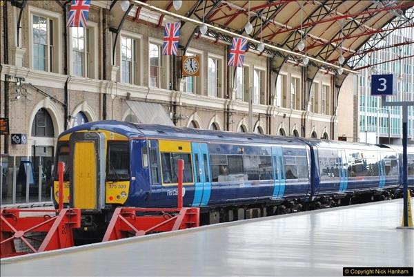 2017-09-18 London Stations 2.  (192)399