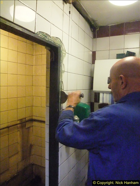 2015-07-22 Part demolition of internal wall of old messing area ready foe improvements.  (4)465