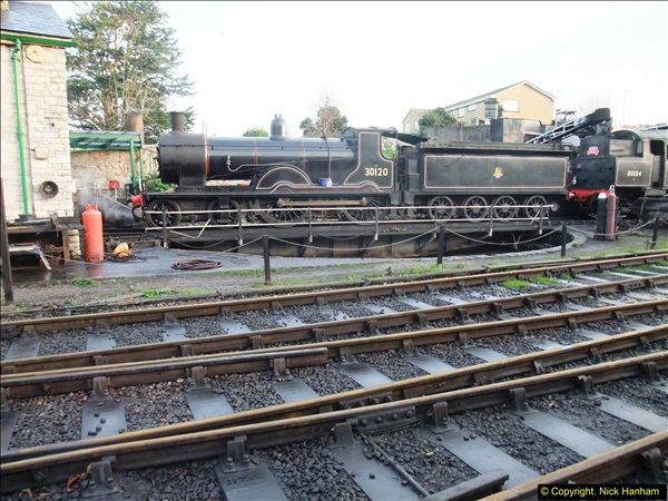 2015-12-06 Driving the DMU on Santa Special.  (10)010
