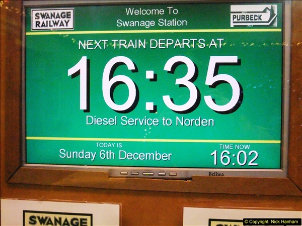 2015-12-06 Driving the DMU on Santa Special.  (117)117