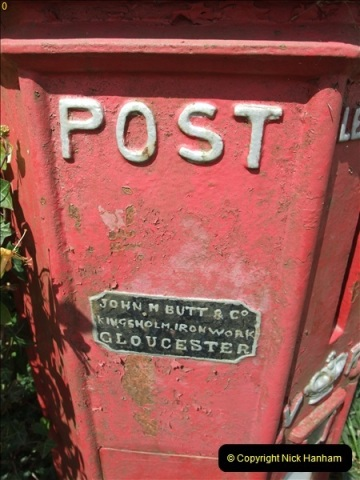2010-06-24 Holwell, Dorset. Possibly the Worlds oldest working pillar box (2)406