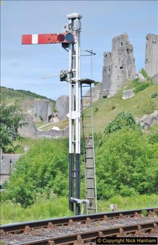 Corfe Castle. (117)119