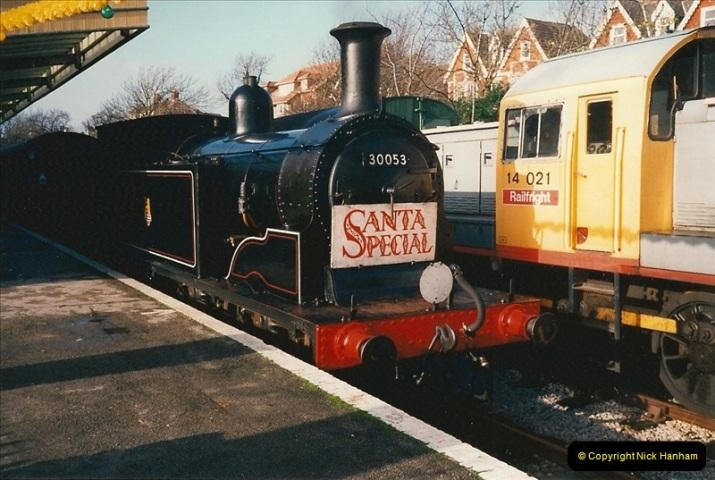 1994-12-04 Santa Specials driving the M7. (4)0126