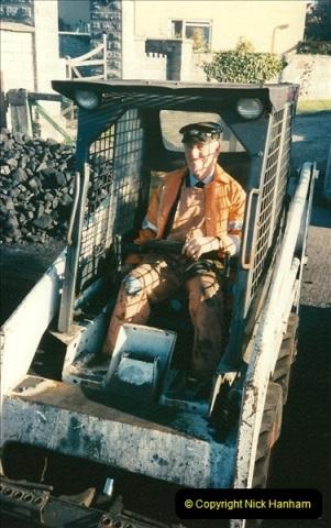 1997-12-14 Santa Specials driving the DMU.  (1)0570