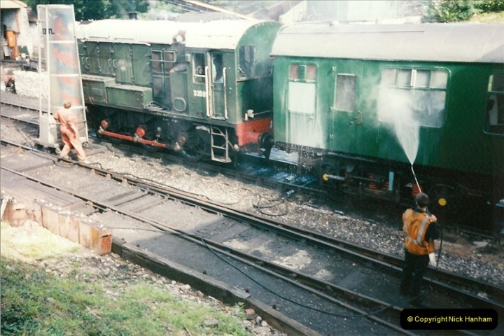 1998-07-01 The SR carriage washing plant.  (2)0691