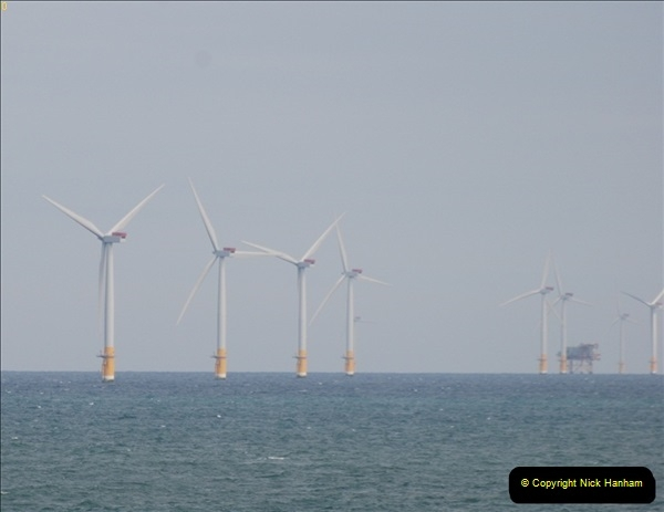 2012-06-02 North Sea Oil & Gas Platforms, Wind Farms & The River Thames.  (32)0586