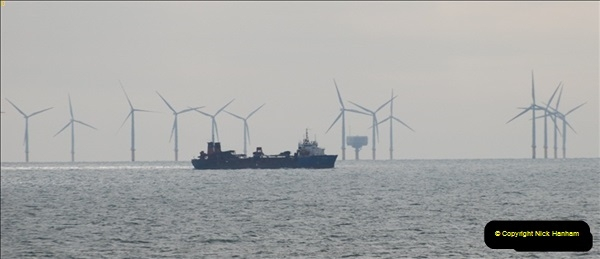 2012-06-02 North Sea Oil & Gas Platforms, Wind Farms & The River Thames.  (43)0597
