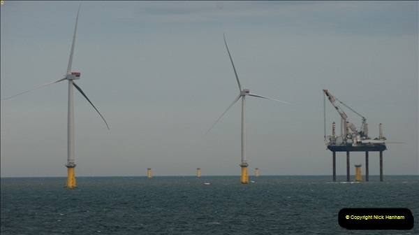 2012-06-02 North Sea Oil & Gas Platforms, Wind Farms & The River Thames.  (44)0598