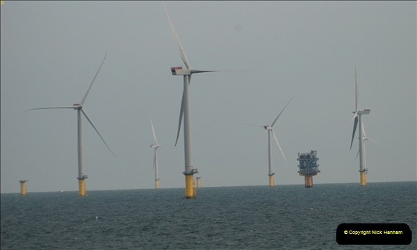 2012-06-02 North Sea Oil & Gas Platforms, Wind Farms & The River Thames.  (49)0603