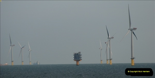 2012-06-02 North Sea Oil & Gas Platforms, Wind Farms & The River Thames.  (50)0604
